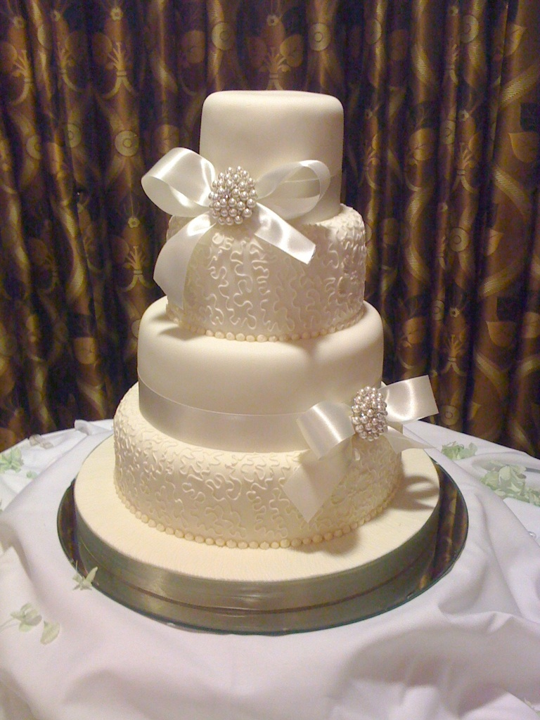 Seeing Double Jennys Cake Blog Wedding cakes and Birthday cakes
