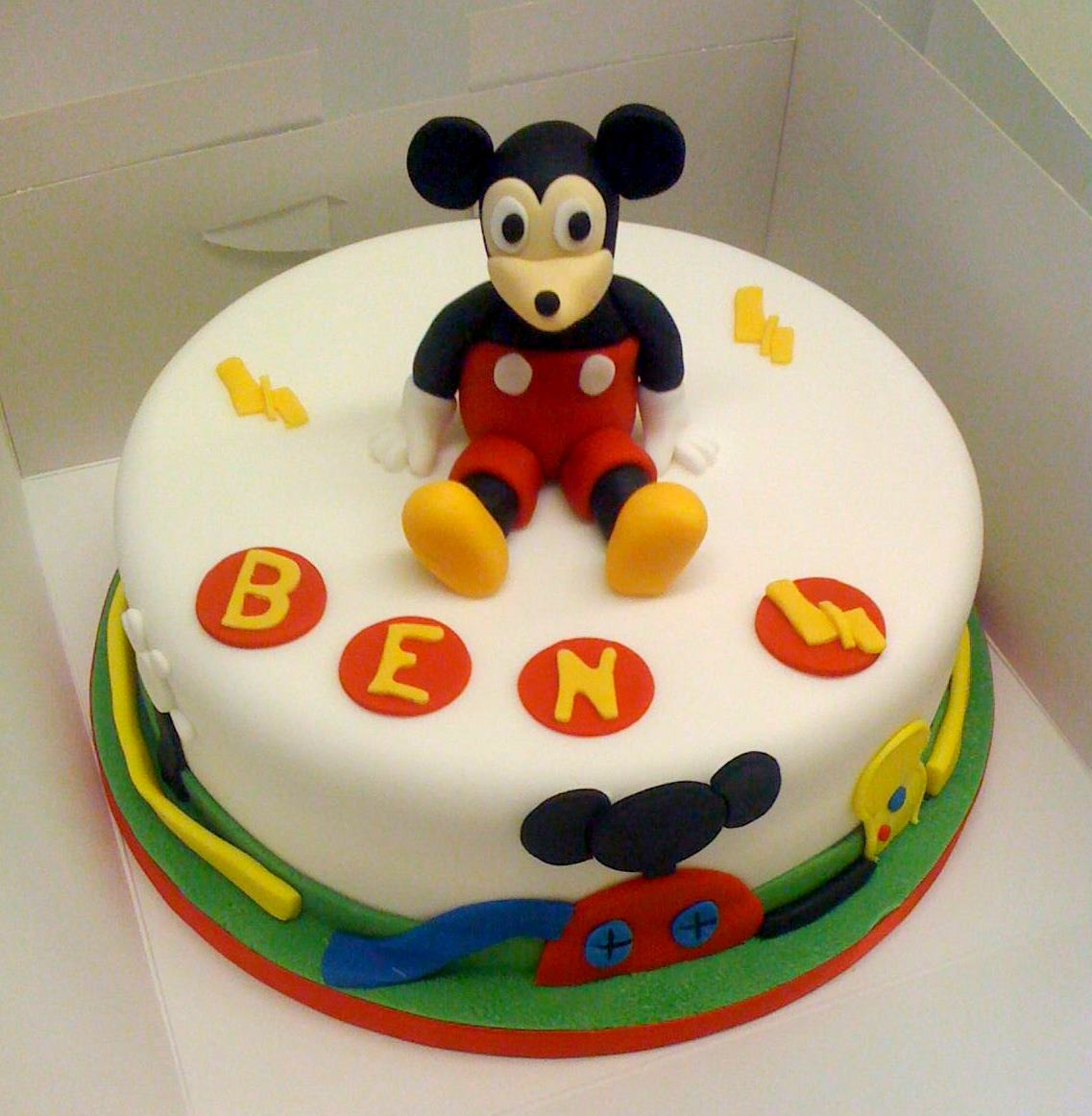 Cake Images Of Mickey Mouse : Some of this weeks novelty cakes   Jenny s Cake Blog ...
